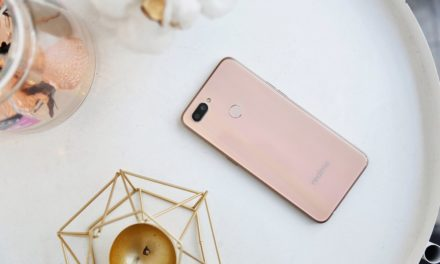 Realme U1 Fiery Gold Edition, Realme Accessories Sale Announced